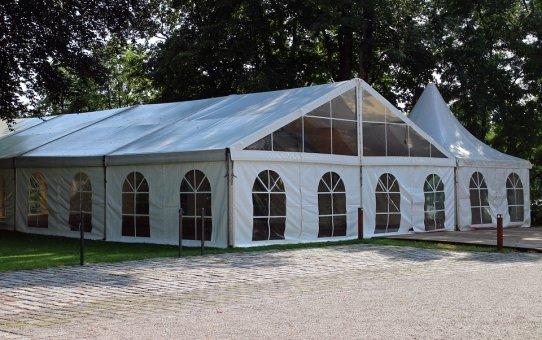 Gdzie wykorzystuje się hale namiotowe?