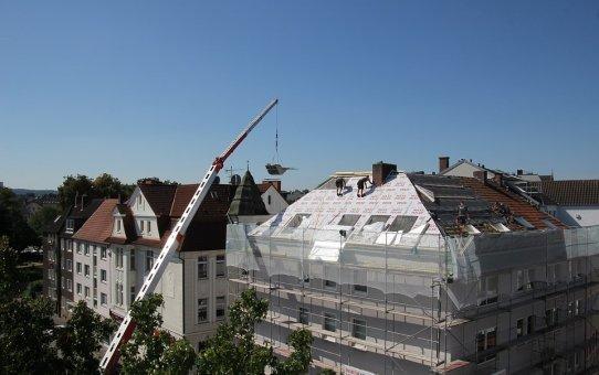 Prawidłowa asekuracja na dachu